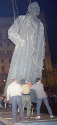 Снос памятника Дзержинскому, перестройка